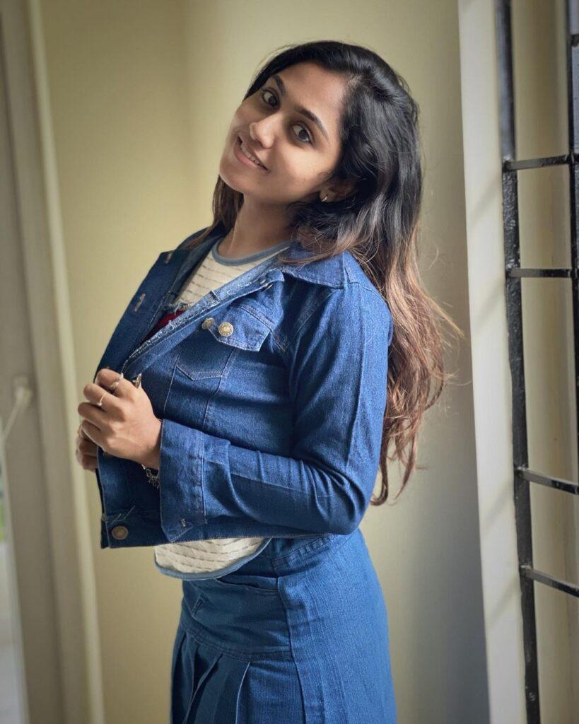 Sreethu krishnan hot pictures