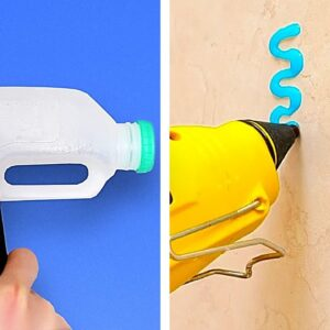 32 BATHROOM hacks to help you in any situation