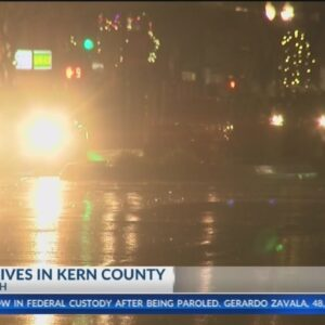 Rain drenches Bakersfield, winds force hourslong closure of Highway 99 at I-5 split