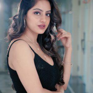 Deepika singh goyal Hot images 14