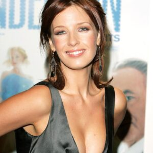 Kelly Reilly hot images 40