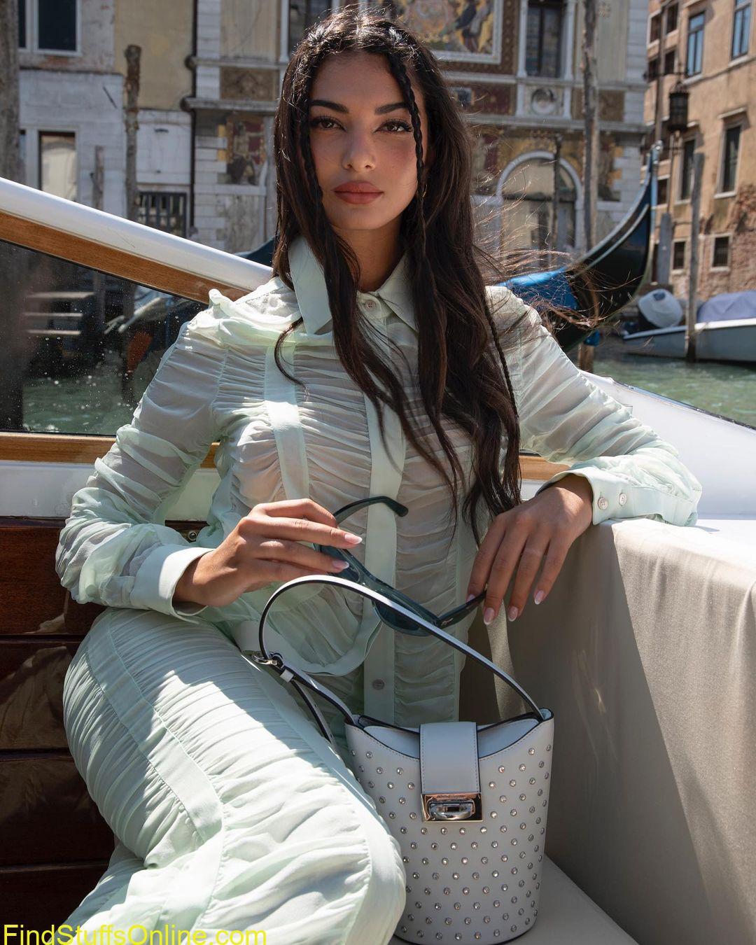 ELISA MAINO hot images 1