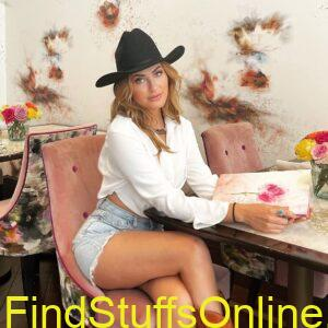 scout Taylor Compton hot images 2